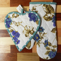 Floral Blue Set of 2 Oven Mittens & Pot Holder