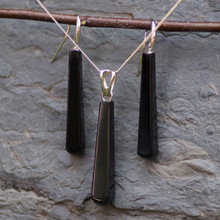 faceted long whitby jet and 9ct gold pendant and earrings matching set