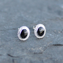 Oval rope edge Whitby jet studs