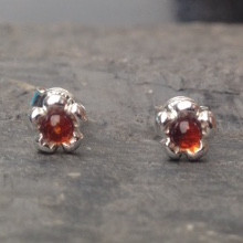 Little sterling silver flower stud earrings with cognac amber