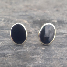 Medium oval 9ct gold stud earrings with Whitby Jet