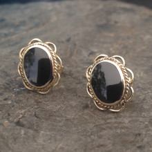 Oval rope frill Whitby Jet 9ct gold stud earrings