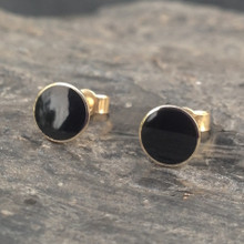 Whitby Jet 9ct gold medium round 6mm stud earrings