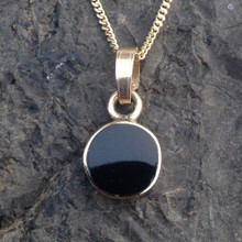 Dainty Round 9ct Gold and Whitby Jet Pendant 048GP