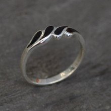 Ladies slim sterling silver raindrop multi stone ring with Whitby Jet