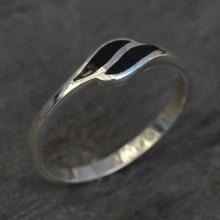 Ladies sterling silver slim ring with two elongated leaf shaped Jet stones