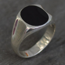 Gents sterling silver oval Whitby Jet signet ring