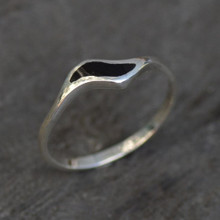 Ladies sterling silver slim curved wave ring with Whitby Jet
