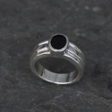 Silver Whitby jet ring