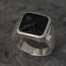 gents whitby jet ring