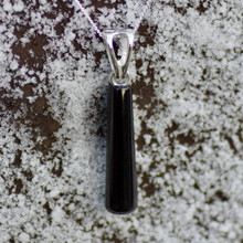 Long Whitby jet drop pendant