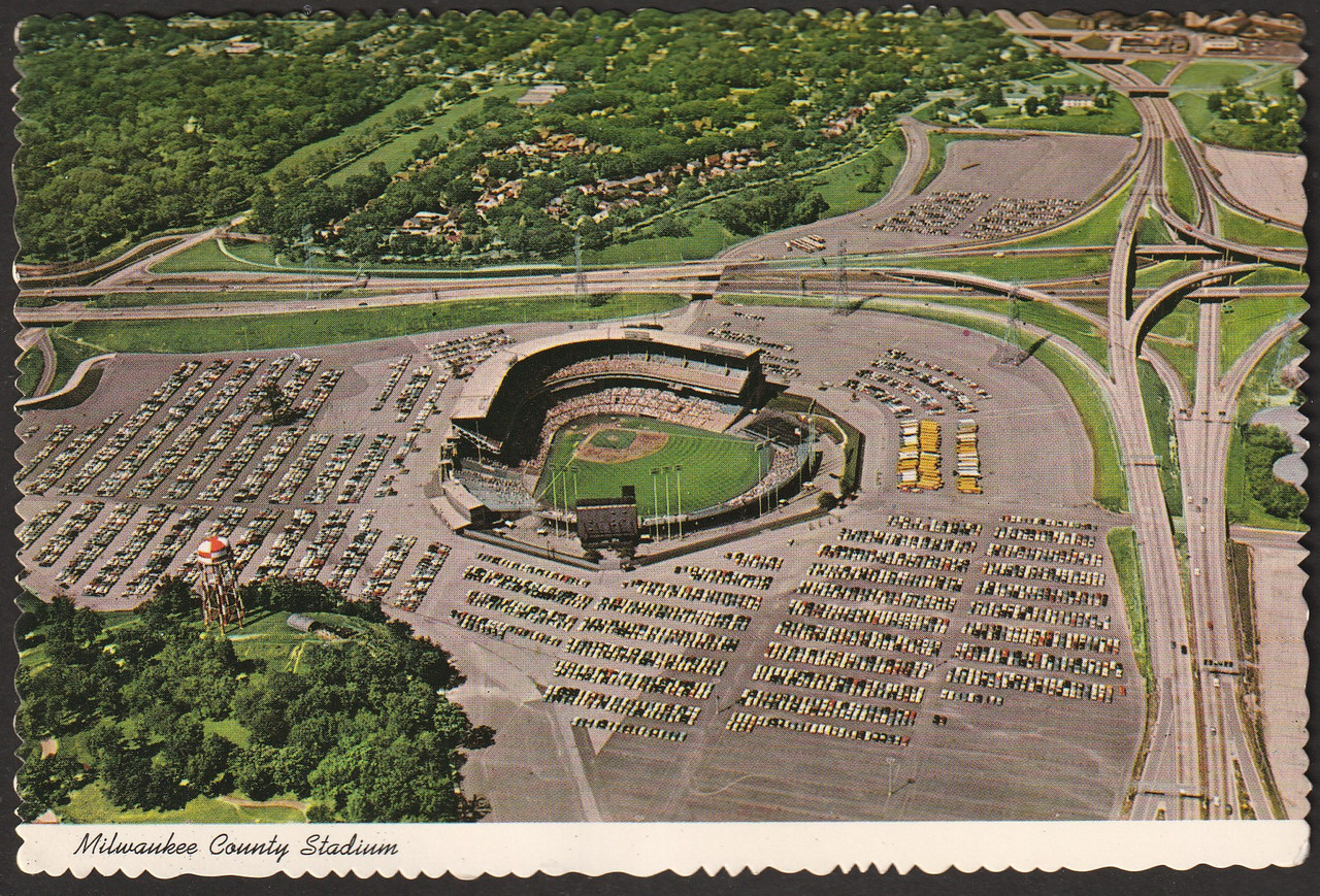 Milwaukee County Stadium (MW.21, D-17215) - Stadium Postcards