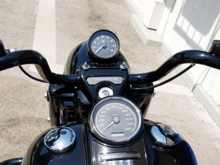 Road King with Tachometer FLHP Police Style