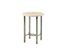 Villa Lilly End Table