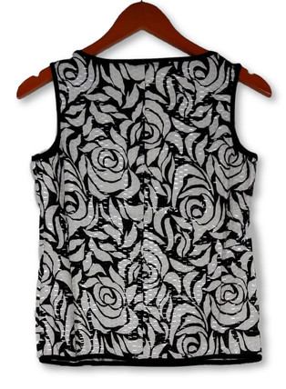 aDRESSing WOMAN Size S Sleeveless Floral Tank White/ Black Top Womens A100003