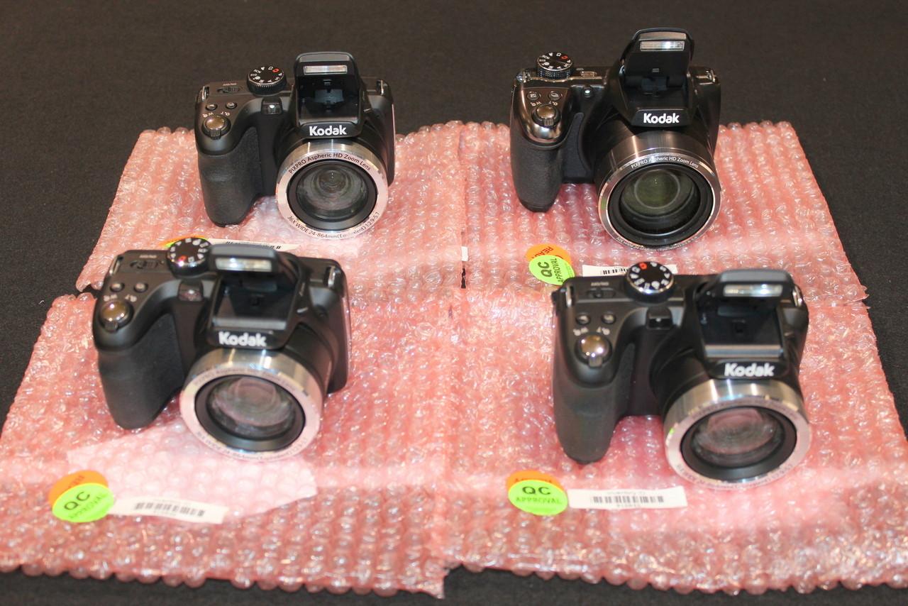 lot of 4x Kodak Pixpro cameras - PIXPRO AZ361 AZ521 WITH ISSUES