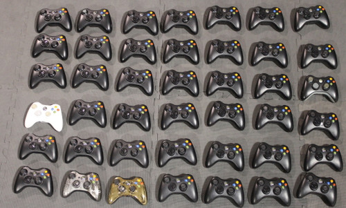 lot of 42x Xbox 360 controllers  BULK WHOLESALE - POWER ON TESTED