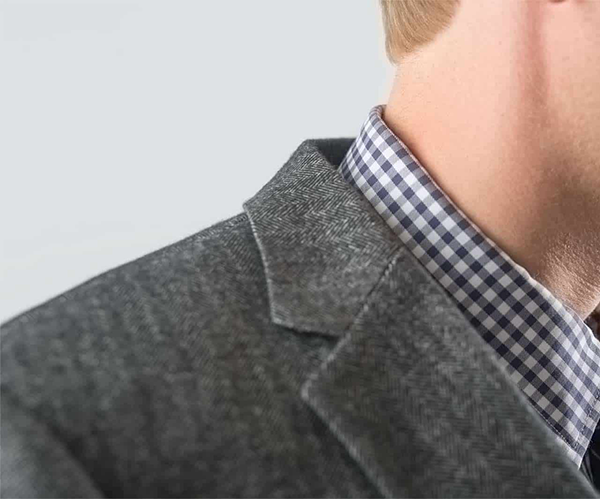 suit jacket with a collar gap