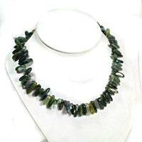 "Moss Agate Gemstone Dagger Stick Chip 18"" Choker with Clasp"