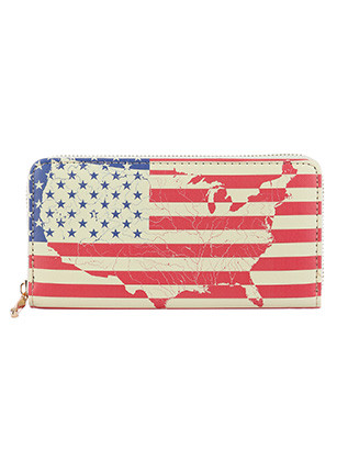 BAG ACCESSORY / STARS AND STRIPES PRINT / VINYL CLUTCH WALLET / UNITED STATES OF AMERICA / RED WHITE AND BLUE / AMERICAN FLAG / ZIPPER / COIN POCKET / CASH POCKET / CREDIT CARD POCKET / ONE SIZE / 8 INCH WIDE / 4 INCH TALL / NICKEL AND LEAD COMPLIANT