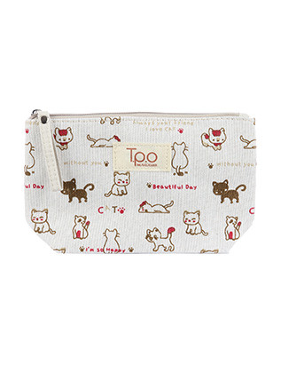 BAG ACCESSORY / KITTEN PRINT / MAKEUP POUCH / CANVAS COTTON / ZIP CLOSURE / INTERIOR SLIP POCKET / HAND STRAP / 8 INCH WIDE / 4 INCH TALL / 2 1/2 INCH DEEP / ONE SIZE / NICKEL AND LEAD COMPLIANT