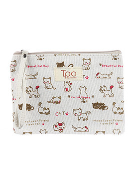 BAG ACCESSORY / KITTEN PRINT / MAKEUP POUCH / CANVAS COTTON / ZIP CLOSURE / WRIST STRAP / 8 INCH WIDE / 6 INCH TALL / ONE SIZE / NICKEL AND LEAD COMPLIANT