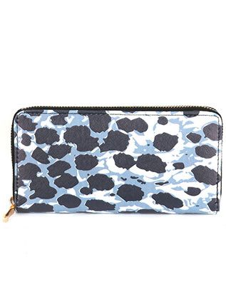 BAG ACCESSORY / ANIMAL PRINT / VINYL CLUTCH WALLET / ZIPPER / COIN POCKET / CASH POCKET / CREDIT CARD POCKET / ONE SIZE / 7 1/2 INCH WIDE / 4 INCH TALL / NICKEL AND LEAD COMPLIANT