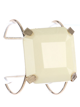 Bracelet / Cushion Cut Lucite Stone / Metal Wire Cuff / 2 1/4 Inch Diameter / 1 3/4 Inch Tall / Nickel And Lead Compliant