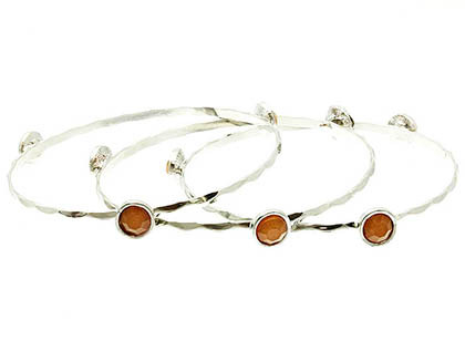 Bracelet / Round / Bangle / Hammered Metal / Lucite Bead / 3 Pcs / 2 1/2 Inch Diameter / Nickel And Lead Compliant