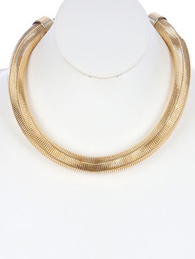 NECKLACE / SIX SIDE COIL WIRE / SPRING BIB / METAL SETTING / 16 INCH LONG / 2/3 INCH DROP / NICKEL AND LEAD COMPLIANT