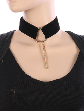 NECKLACE / METAL RING FRONT / VELVETY FABRIC CHOKER / METAL ROD / CHAIN DROP / 12 INCH LONG / 1 3/4 INCH DROP / NICKEL AND LEAD COMPLIANT