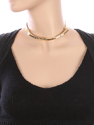 NECKLACE / ARCHED / HAMMERED METAL CHOKER / METALLIC RIBBON / 12 INCH LONG / 2 INCH DROP / NICKEL AND LEAD COMPLIANT