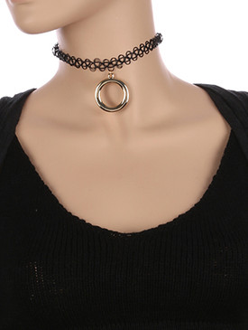 NECKLACE / METAL RING PENDANT / STRETCHY TATTOO CHOKER / 10 INCH LONG / 2 INCH DROP / NICKEL AND LEAD COMPLIANT