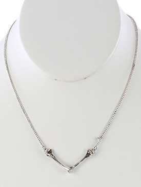 NECKLACE / METAL BONE / HALLOWEEN BIB / AGED METAL FINISH / V SHAPE / 16 INCH LONG / 1 INCH DROP / NICKEL AND LEAD COMPLIANT
