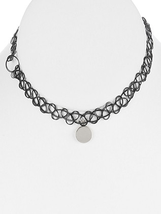 NECKLACE / METAL COIN CHARM / TATTOO STRETCH CHOKER / 5 INCH DIAMETER / 1/2 INCH DROP / NICKEL AND LEAD COMPLIANT