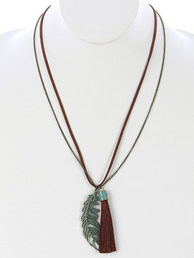NECKLACE / CUTOUT METAL FEATHER / TASSEL CHARM / AGED FINISH / CHAIN / FAUX SUEDE / 32 INCH LONG / 3 INCH DROP / NICKEL AND LEAD COMPLIANT