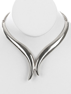 NECKLACE / CURVED METAL / V SHAPE CHOKER / LINK / CHAIN / 12 INCH LONG / 2 INCH DROP / NICKEL AND LEAD COMPLIANT