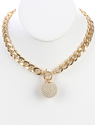 NECKLACE / MINI PEARLS / HOLLOW METAL PENDANT / CUTOUT / LINK / CURB CHAIN / 18 INCH LONG / 2 INCH DROP / NICKEL AND LEAD COMPLIANT