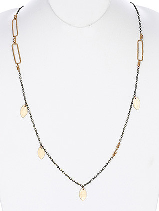 NECKLACE / CHAIN / OVATE SHAPE / LINK / TEXTURE HAMMERED METAL / METAL BEAD / 36 INCH LONG / NICKEL AND LEAD COMPLIANT