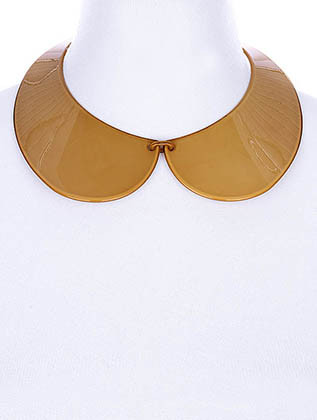 NECKLACE / PETER PAN COLLAR / LINK / BRASS / LUCITE / 2 INCH DROP / 14 INCH LONG / NICKEL AND LEAD COMPLIANT