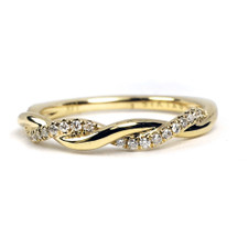 14K YELLOW GOLD - BRAIDED STYLE ALTERNATING DIAMOND BAND (0.12CT)