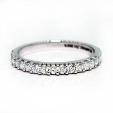 14K WHITE GOLD - 0.33CT - PETITE SHARED PRONG ROUND DIAMOND BAND