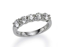 14K White Gold - 0.52 Carat Total Five Stone Shared Prong Diamond Band