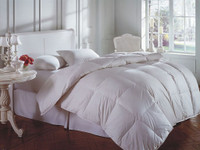 Cascada White Goose Down Summer Comforter - Queen