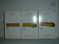 Hallmark LIONEL TRAIN UNION PACIFIC STREAMLINER LOCOMOTIVE BUFFET COACH ORNAMENT 2010