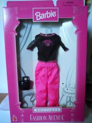Barbie BOUTIQUE Fashion Avenue 1998 18126 Black top Hot pink pants