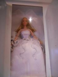 AVON BLUSHING BRIDE BARBIE