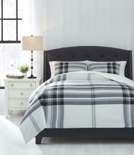Stayner Black/Gray Queen Comforter Set