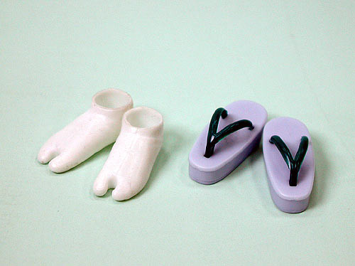 27SH-F010L Obitsu Zori Japanese Sandal and Tabi Sock Set for 21cm-27cm Obitsu Dolls Lavender