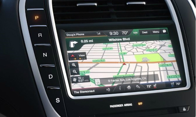 2016 Lincoln MKX Navigation Kit for MyFord Touch Systems - Installed View